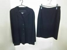 L'EQUIPE YOSHIE INABA(レキップ ヨシエイナバ)/スカートスーツ