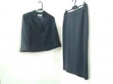 SHIZUKAKOMURO(シズカコムロ)のスカートスーツ