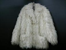 VERSACE SPORT(ヴェルサーチスポーツ)のコート