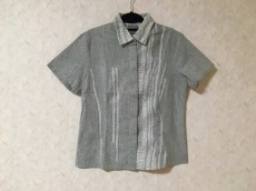VERSACE jeans signature(ヴェルサーチジーンズシグネチャー)のシャツブラウス