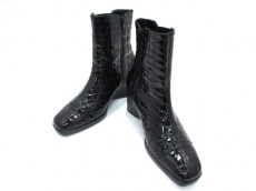 COCCOFIORE(コッコフィオーレ)のブーツ