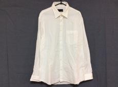 A.POC(イッセイミヤケ)のシャツ