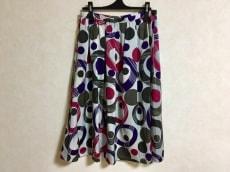 L'EQUIPE YOSHIE INABA(レキップ ヨシエイナバ)のスカート