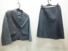 REVISITATION(リヴィジテーション)のスカートスーツ