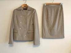 Loro Piana(ロロピアーナ)のスカートスーツ