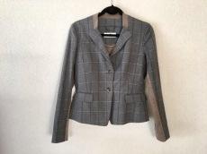 TRU TRUSSARDI(トゥルートラサルディ)のスカートスーツ