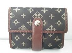 russet(ラシット)の3つ折り財布