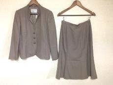 ROCHAS(ロシャス)のスカートスーツ