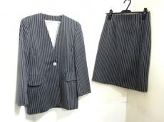 LaurelEscada(ローレルエスカーダ)のスカートスーツ