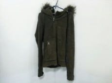 L.G.B.(ルグランブルー)のコート