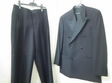 VALENTINO(バレンチノ)のメンズスーツ