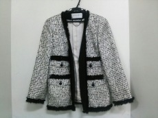 ADORE(アドーア)のジャケット
