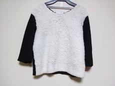 petite robe noire(プティローブノアー)/カットソー