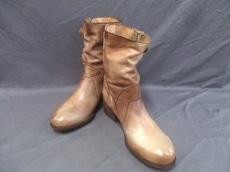 felmini(フェルミニ)のブーツ