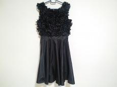 R.E.D VALENTINO(バレンチノ)のドレス