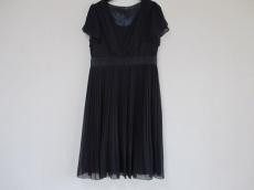UNTITLED(アンタイトル)のドレス