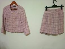 L'EST ROSE(レストローズ)のスカートスーツ