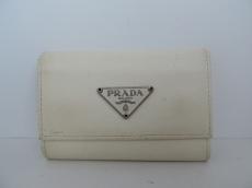 PRADA(プラダ) キーケース - アイボリー 6連フック レザー