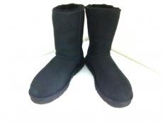 UGG(アグ) ブーツ メンズ美品  クラシックショート 5800 黒 ムートン