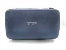TUMI(トゥミ) ポーチ新品同様  ダークネイビー×黒 TUMIナイロン
