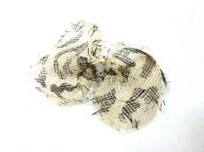 アッカ バレッタ美品  化学繊維×金属素材×プラスチック リボン