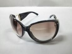 グッチ サングラス GG2942/S 黒×ゴールド プラスチック×金属素材