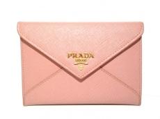 PRADA(プラダ) 財布美品  - ピンク サフィアーノレザー
