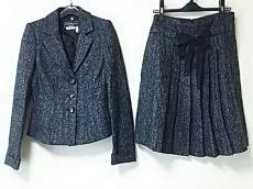 SalvatoreFerragamo(サルバトーレフェラガモ)/スカートスーツ