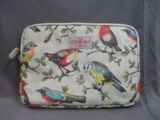 キャスキッドソン バッグ美品  アイボリー×マルチ 鳥/PCケース