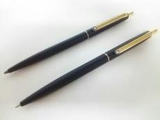 モンブラン ペン美品  - 黒×ゴールド プラスチック×金属素材