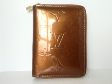 ルイヴィトン 2つ折り財布 モノグラムヴェルニ ブルーム M91152