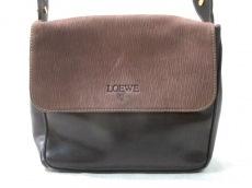 LOEWE(ロエベ) ショルダーバッグ - 黒×ブラウン 型押し加工
