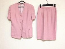 ユキコハナイ スカートスーツ サイズ9 M レディース美品  ピンク