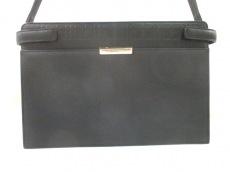 Burberry(バーバリー) ショルダーバッグ 黒 型押し加工 レザー