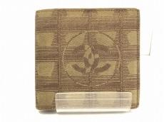 CHANEL(シャネル) 2つ折り財布 ニュートラベルライン カーキ
