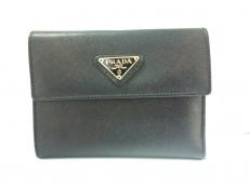 PRADA(プラダ) 3つ折り財布 - 黒 がま口 レザー