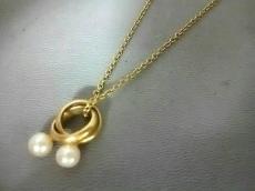クレージュ ネックレス美品  金属素材×フェイクパール ゴールド×白