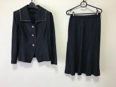 YUKIKO HANAI(ユキコハナイ) スカートスーツ レディース美品  黒