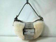 フェンディ ハンドバッグ美品  - 8BK003 アイボリー×シルバー
