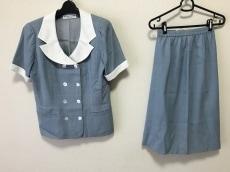 ユキコハナイ スカートスーツ レディース ライトブルー×白