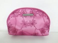GIVENCHY(ジバンシー) ポーチ美品  ピンク 刺繍/花柄 化学繊維