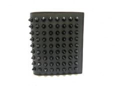 クリスチャンルブタン 2つ折り財布美品  スパイクスタッズ 黒