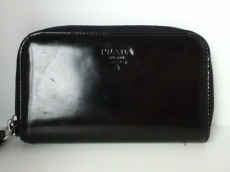 PRADA(プラダ) キーケース - 黒 6連フック エナメル(レザー)