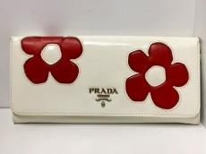 プラダ 長財布 - 白×レッド フラワー エナメル(レザー)×レザー