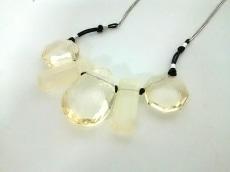 インディビ ネックレス美品  金属素材×プラスチック×化学繊維
