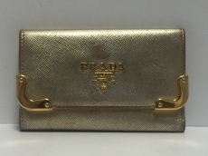 PRADA(プラダ) キーケース - ゴールド 6連フック レザー×金属素材