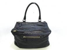 ジバンシー ハンドバッグ美品  パンドラ 黒 パイソン型押し加工
