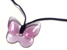 バカラ ネックレス美品  クリスタルガラス×化学繊維 パープル 蝶