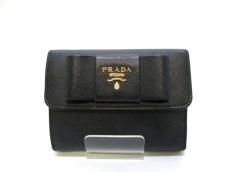 PRADA(プラダ) 3つ折り財布 - 黒 リボン レザー