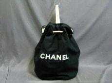 CHANEL(シャネル) ワンショルダーバッグ - 黒×白 ノベルティ/巾着型